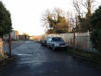 Steel palisade security fencing (9)