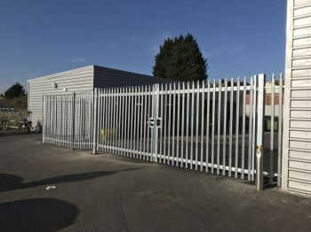 Steel palisade security gates (1)