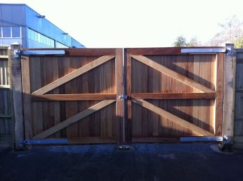 Iroko Hardwood Entrance Gates with Oak Posts 1