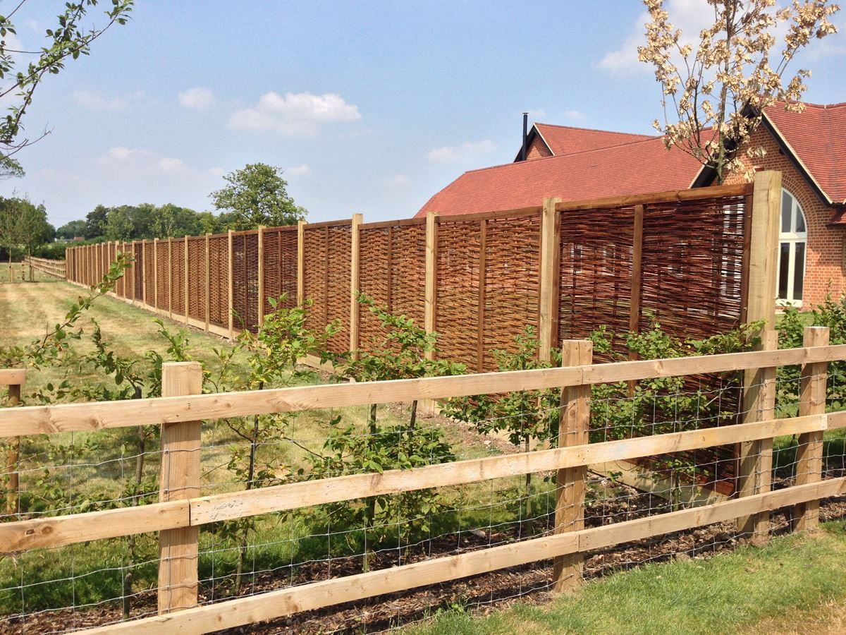 Willow panel fencing (1)