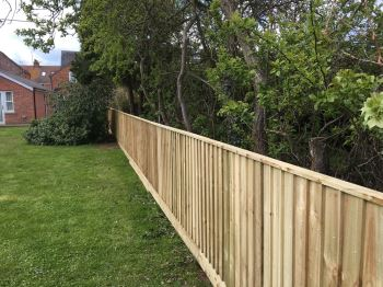 Close board fencing (13)