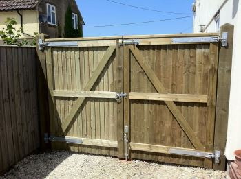 Pair of close board entrance gates (1)