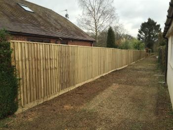 Close board fencing (7)