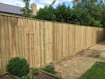 2.1m close board fencing with 4 rails (1)