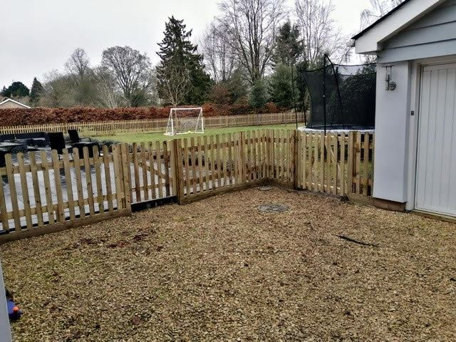 Picket fencing for Wallingford garden