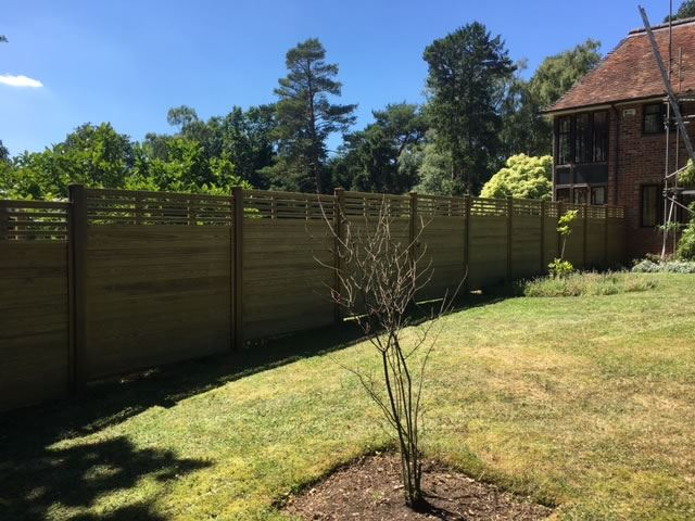 Fencing for large garden in Oxford