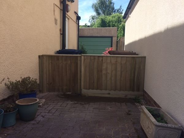 Side gate and fence installation